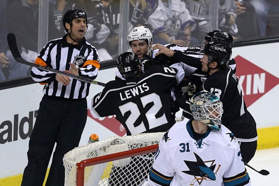 Tonight's NHL Referees – 4/26/14