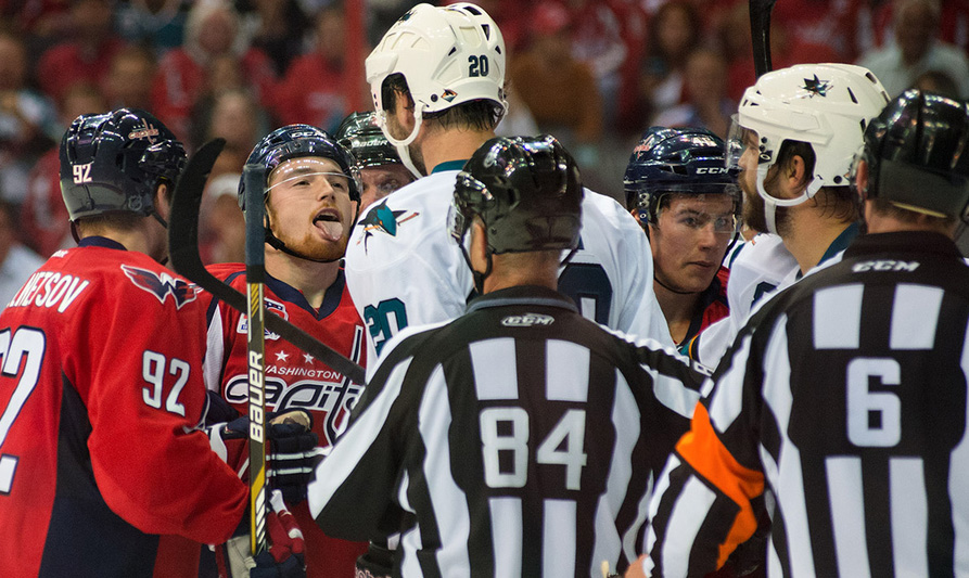 Tonight's NHL Referees & Linesmen – 2/18/15