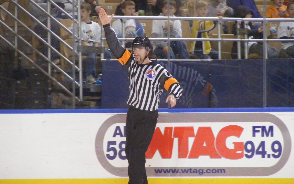Tonight's AHL Referees & Linesmen – 1/24/15