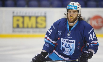 Slovakian League Suspends Mitch Versteeg 3 Months for Kneeing