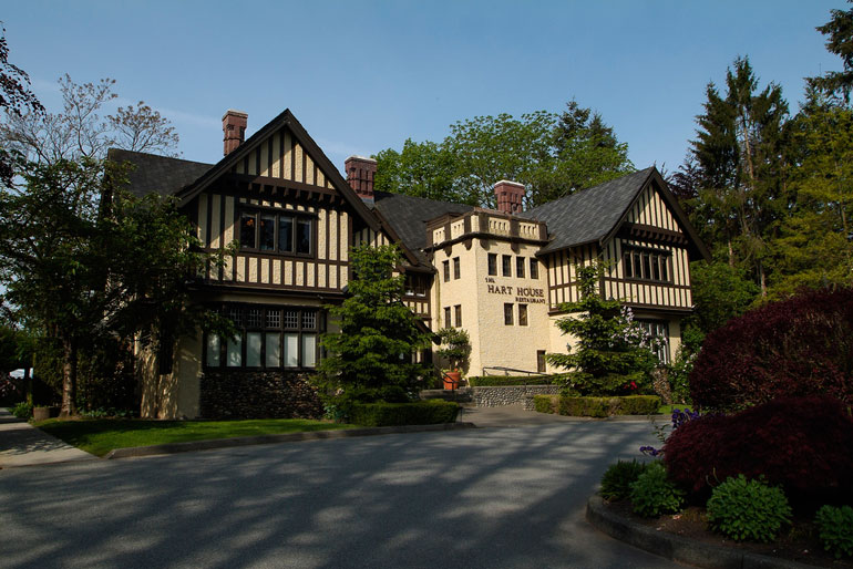 Hart House On Deer Lake Gets Set To Table A Special Prix Fixe Easter Brunch Menu Scout Magazine