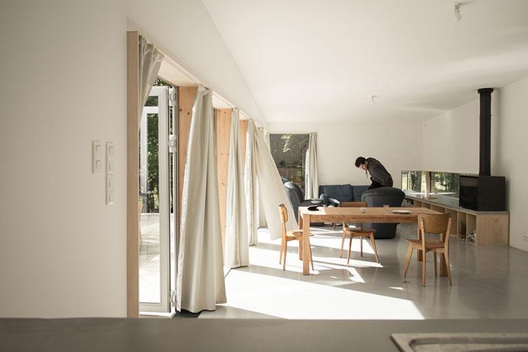 atelier-mima-maison-JJS.M-timber-house-nivillac-france-designboom-07