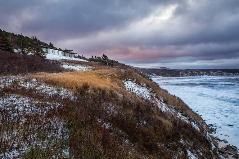 lookout-broad-cove-marsh-omar-gandhi-nova-scotia-canada-waterfront-_dezeen_2364_col_5