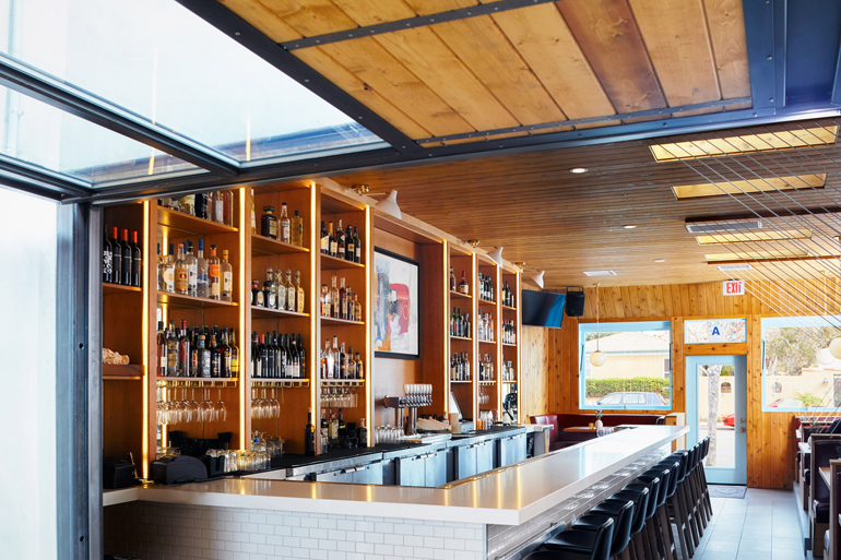 madions-orchid-and-onion-archisects-interiors-restaurants-and-bars-san-diego-california_dezeen_2364_col_8