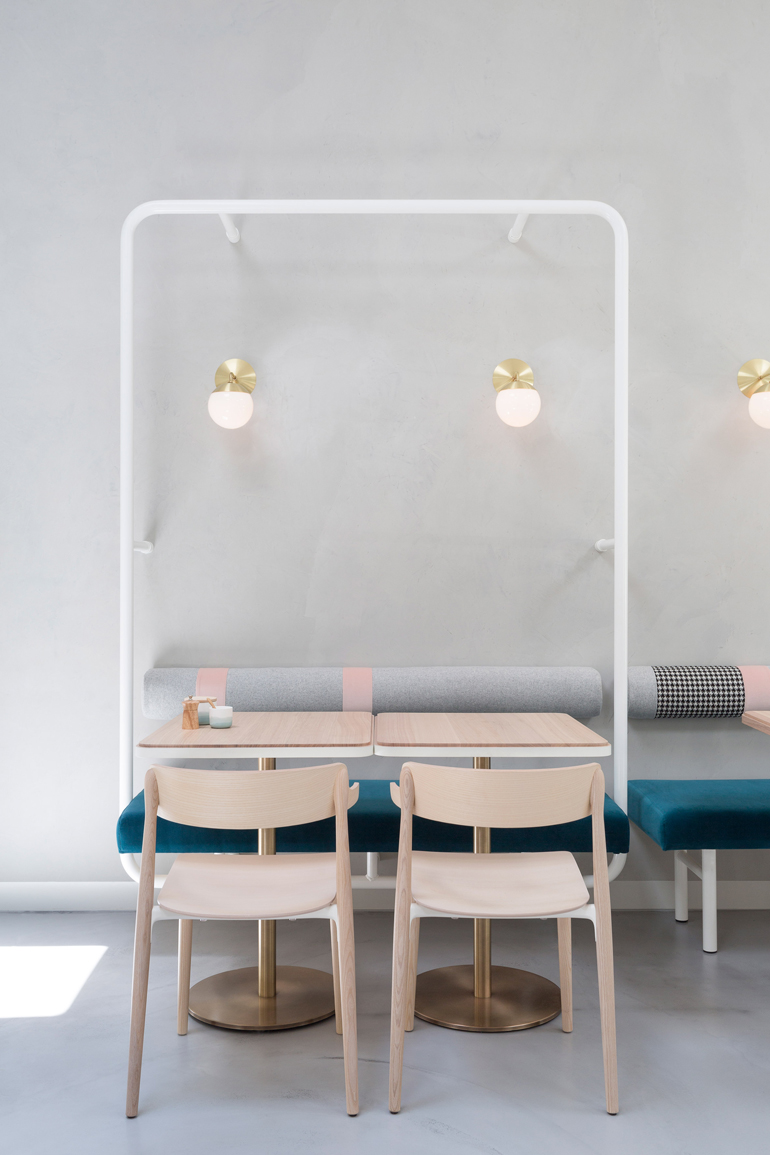no-19-biasol-interiors-design-restaurant-australia_dezeen_2364_col_14