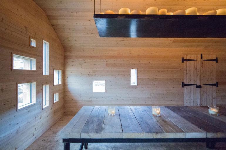 modernist-highland-hut-moxon-architecture-residential_dezeen_2364_col_0
