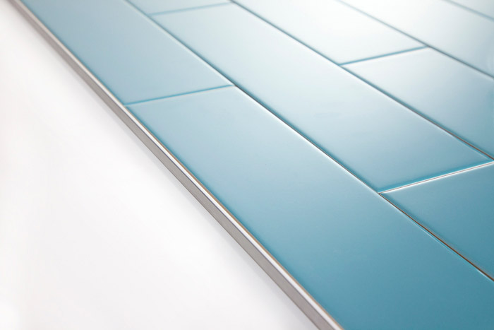 5th Avenue Turquoise Subway Tile With Schluter Jolly