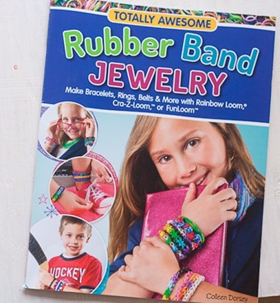 Review & Giveaway - Rubber Band Jewelry at Craft Gossip-1