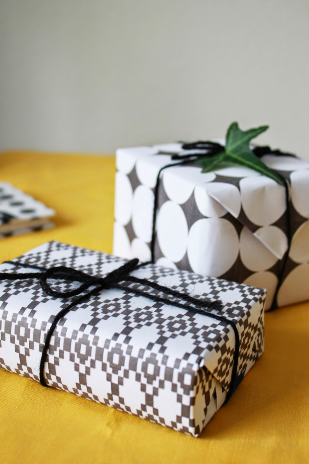 Free Gift Wrap paper from Pat Pat Pattern