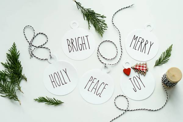 Print & Cut Christmas Gift Tags with Cricut