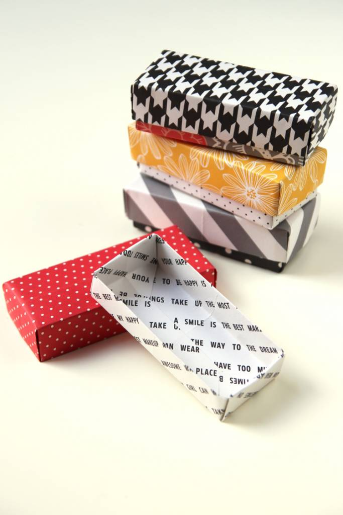 Looking For A Gift Box Small Item This Holiday Season Use Up Your Scrapbooking Papers And Make These Origami Boxes