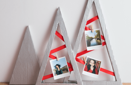 DIY Recycled Christmas Photo Display