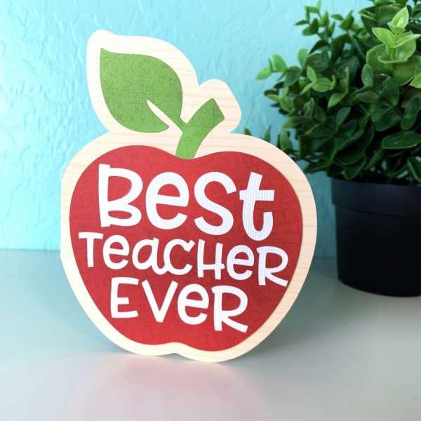 Apple Shaped Teacher Card