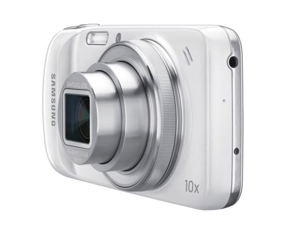 Samsung Galaxy S4 Zoom smartphone