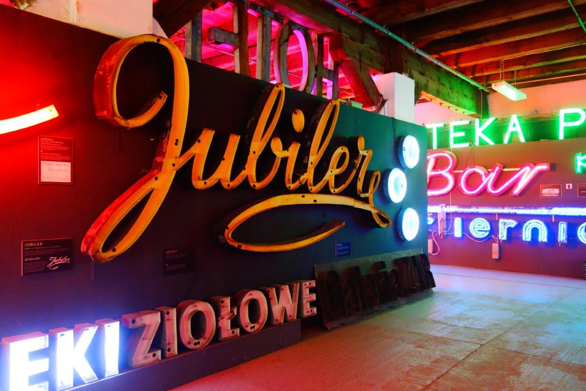 citytrip warschau neon museum