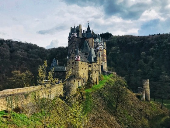 Burg Eltz parking