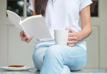 4 Amazing Books to Read When You're Recovering From Alcoholism