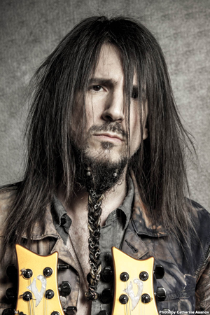 CROP BUMBLEFOOT Press Photo (Secondary)