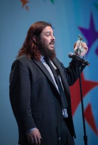 SHAUN MORGAN - live shot accepting award - 3-11-16