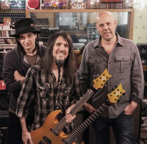 """Rob Carlyle, Ron """"Bumblefoot"""" Thal & Ken Rich (producer)"""