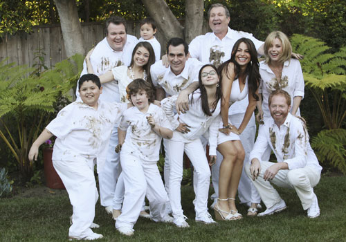 ABC Renews 'Modern Family' 'Last Man Standing' 'The Neighbors' & 'The Middle'; Cancels 'Red Widow' 'Body Of Proof' 'Family Tools' & 'How To Live With Your Parents' 1