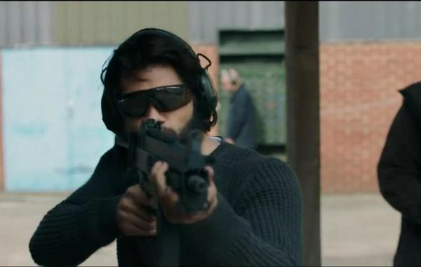 A Red Band Trailer & Poster For 'American Assassin' Are Here To Get Your Blood Pumping 8
