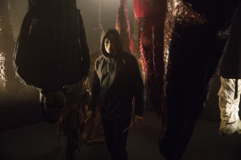 The First Trailer, Poster & Stills From 'Hell Fest' Invite You To A Halloween Horror Park Filled With Terror 4