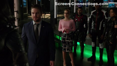 [Blu-Ray Review] 'Arrow: The Complete Sixth Season': Now Available On Blu-ray & DVD From DC & Warner Bros 3