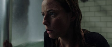 The First Trailer & Poster For Alexandre Aja's 'Crawl' Attack 1