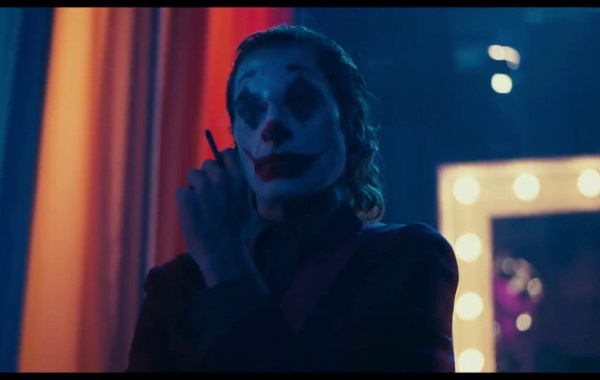 The New Trailer For The Todd Phillips Directed 'Joker' Movie Sends In The Clowns 8