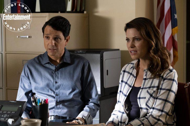 COBRA KAI (L to R) RALPH MACCHIO as DANIEL LARUSSO and COURTNEY HENGGELER as AMANDA LARUSSO in episode 306 of COBRA KAI Cr. CURTIS BONDS BAKER/NETFLIX © 2020