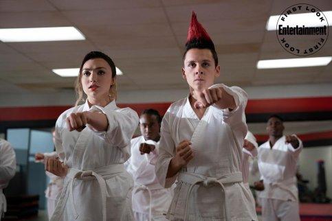 COBRA KAI (L to R) PEYTON LIST as TORY and JACOB BERTRAND as ELI in episode 308 of COBRA KAI Cr. BOB MAHONEY/NETFLIX © 2020