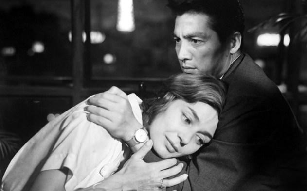 hiroshima-mon-amour-emmanuelle-riva-screencomment2