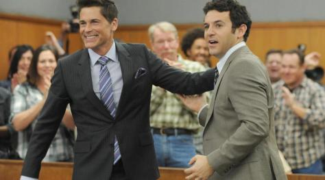 150928-news-the-grinder-rob-lowe-fred-savage