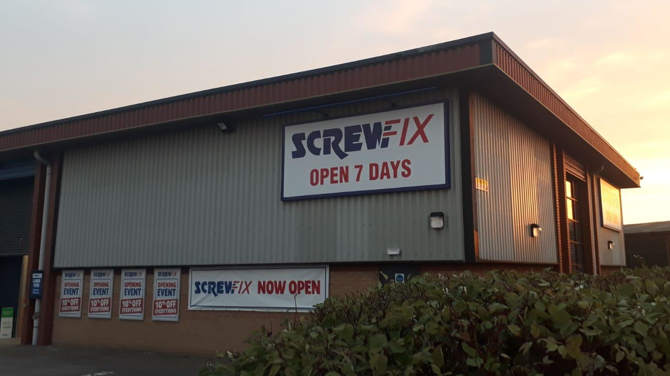 Alcester celebrates new Screwfix store opening