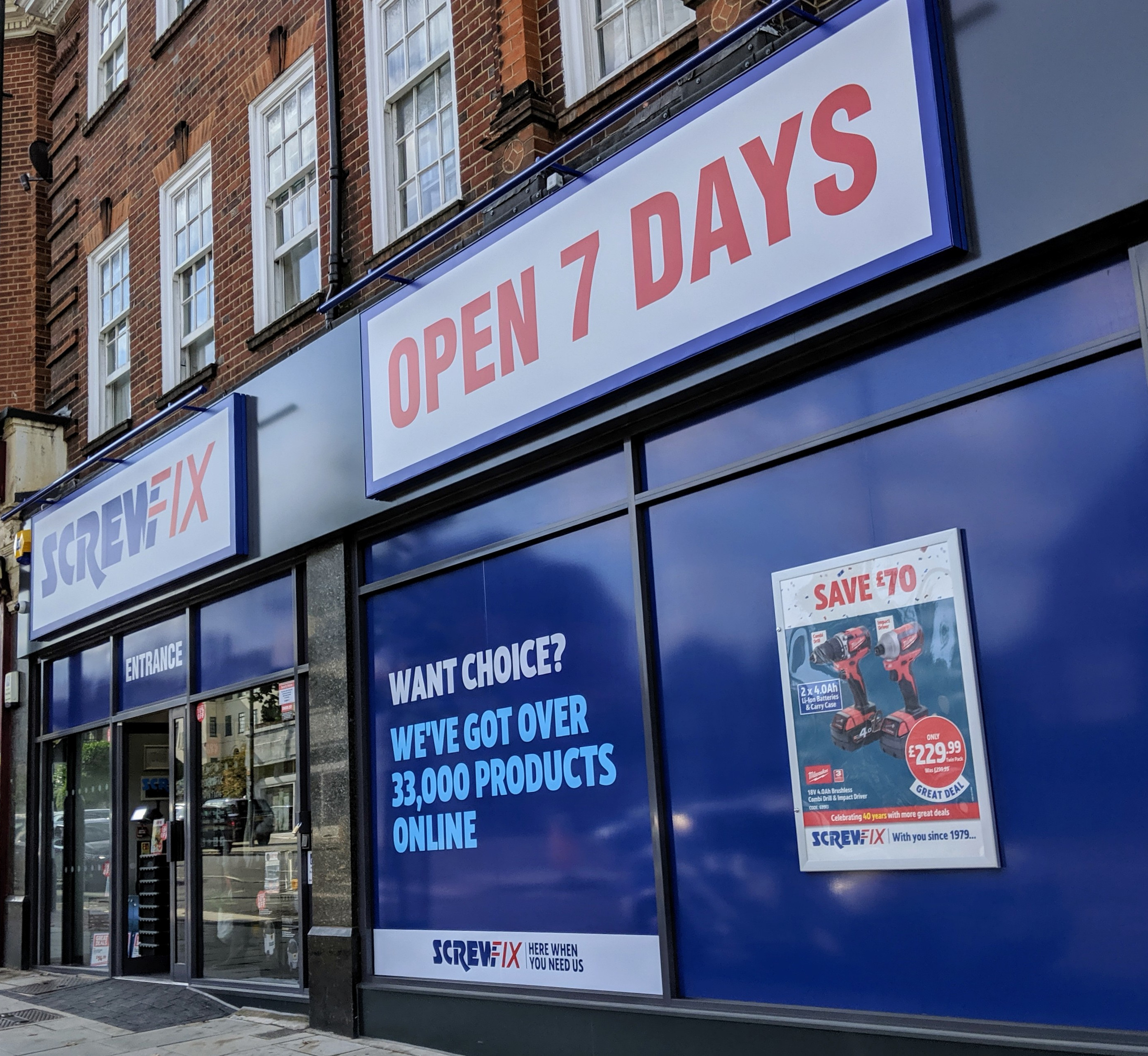 Temple Fortune celebrates new Screwfix store opening