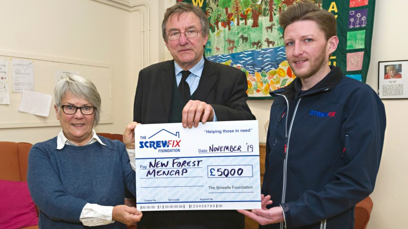 New Forest Mencap gets a helping hand from the Screwfix Foundation