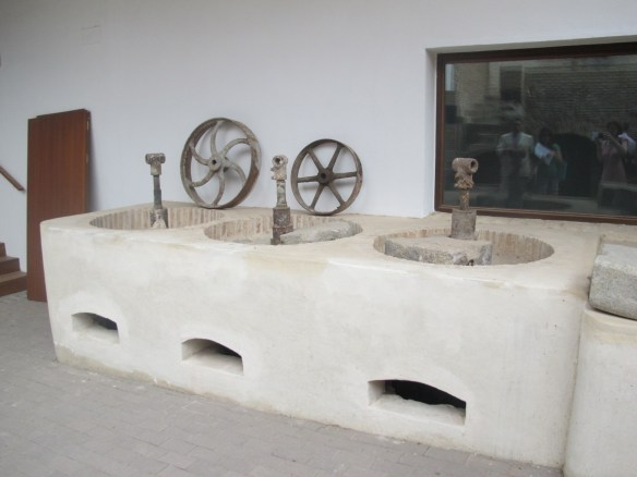 Basins for grinding and mixing pigments to colour the tiles.