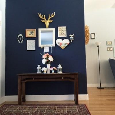 DIY: Mini Living Room Gallery Wall
