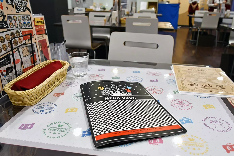 Persona 5: the Animation Café (Osaka Outlet) Interior and Menu