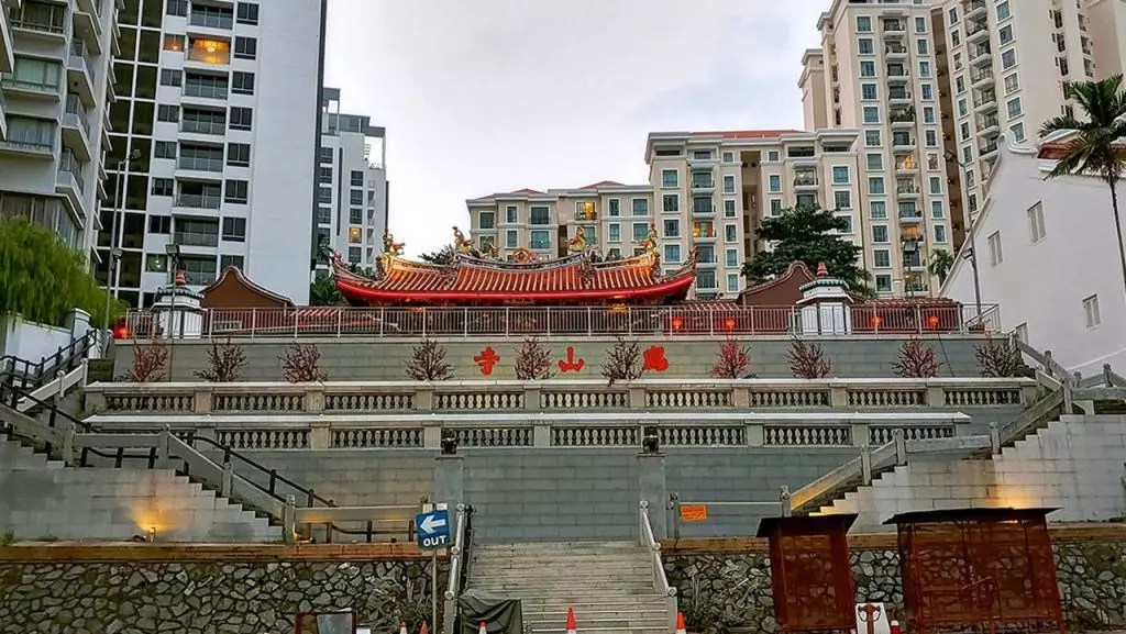 Hong San See Temple (凤山寺).
