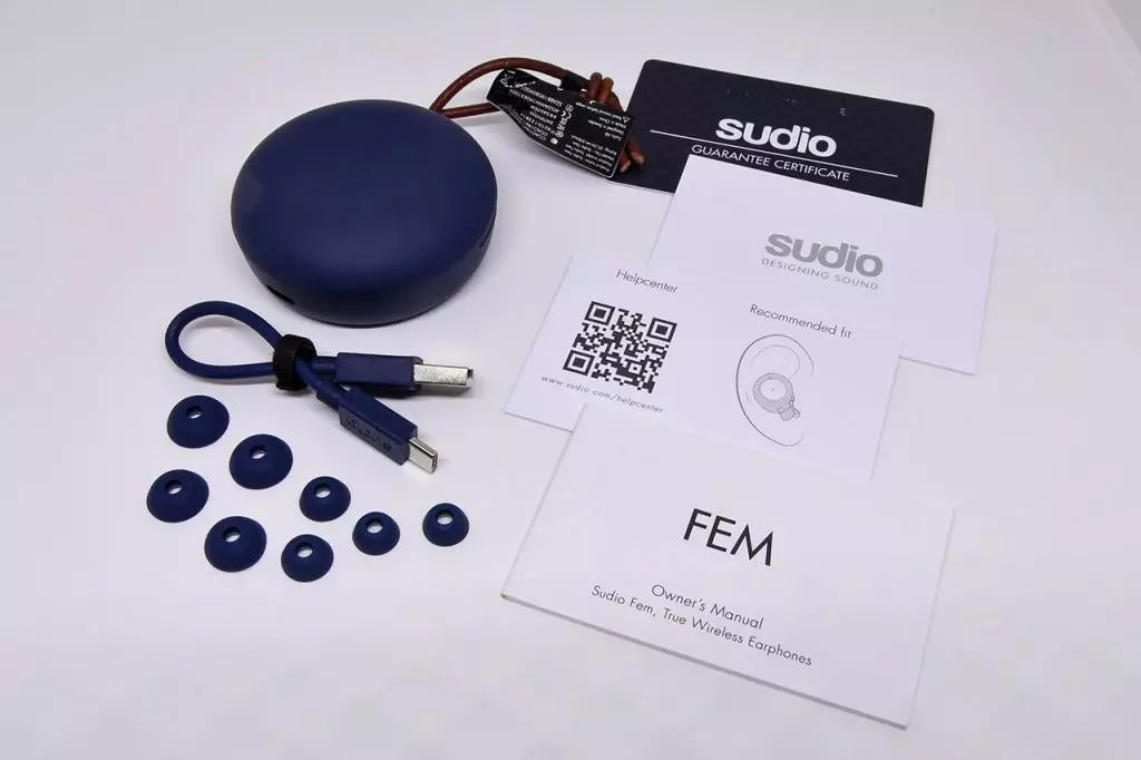 Sudio Fem Review - Box Contents