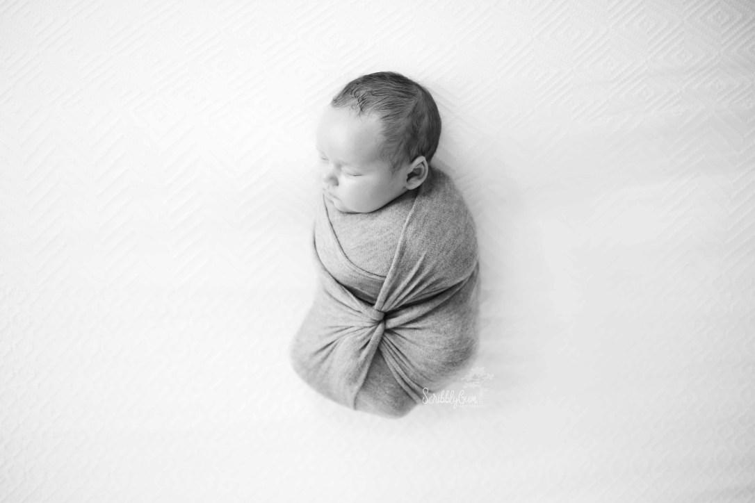 newborn baby photographer black and white