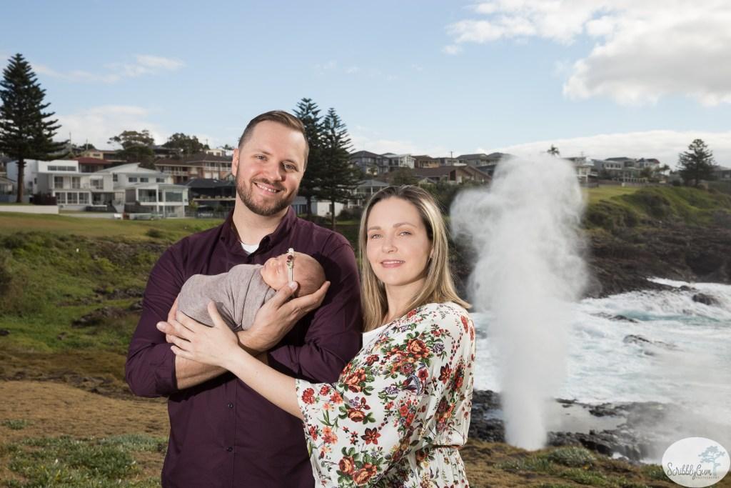 outdoor Kiama family newborn photographer