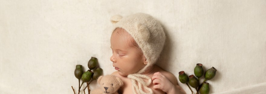 Nature inspired newborn photographer