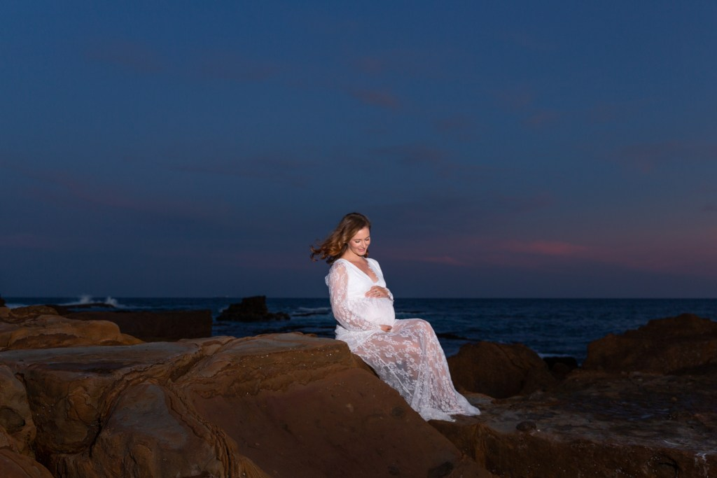 Wollongong Maternity Photographer Outdoors Beach
