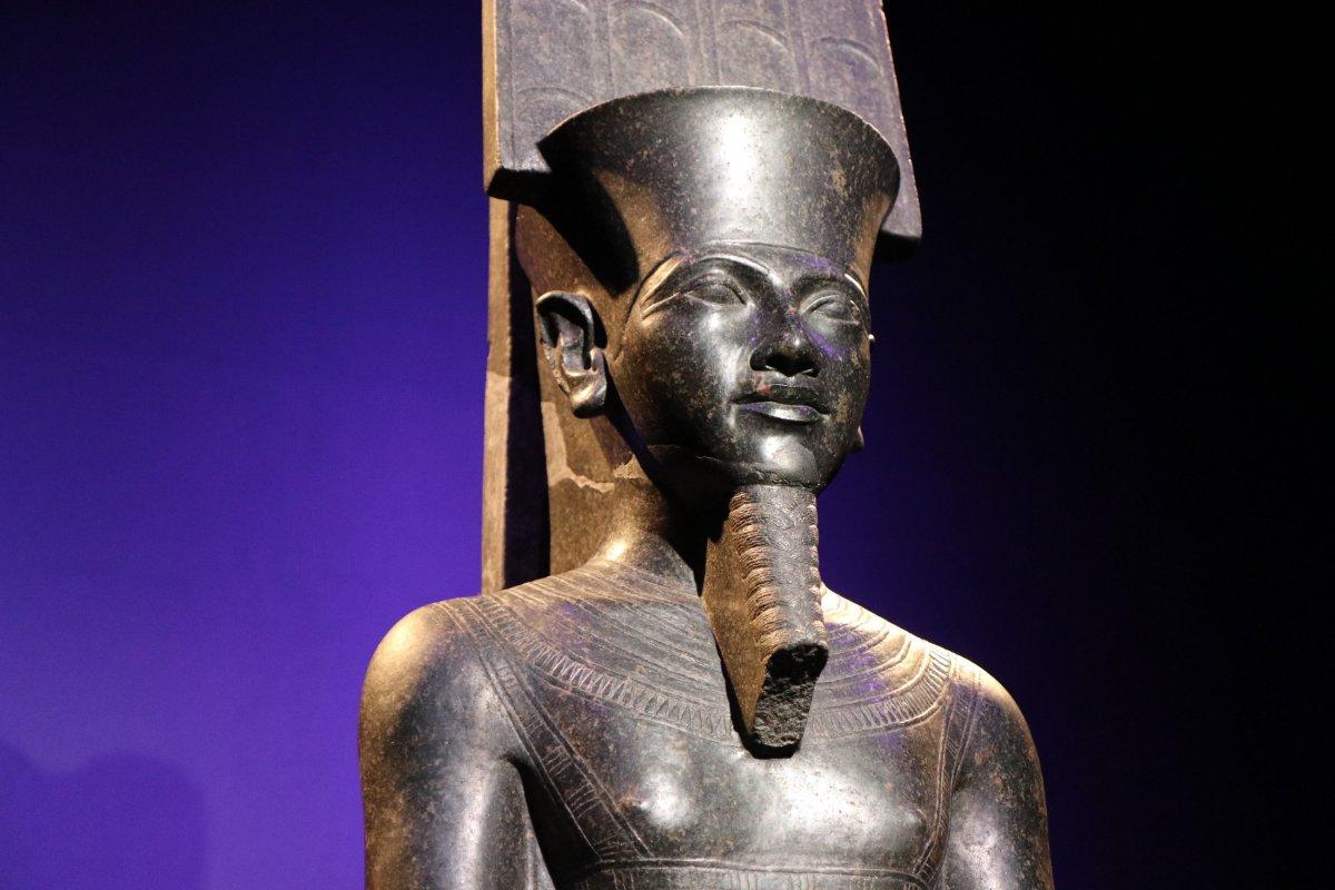 [Chef-d'œuvre] Le dieu Amon protège Toutânkhamon
