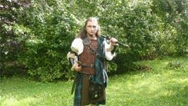 voici un costume de GN complet par  © grabaleon.
