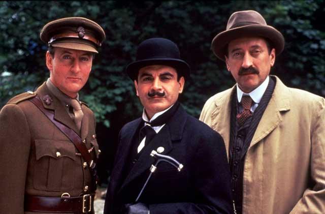 Le capitaine Hastings, Hercule Poirot et l'inspecteur Japp