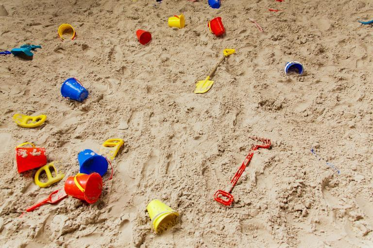 childhood_sand_pit_plastic (1)